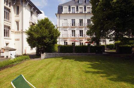 866432_448_295_FSImage_1_residence-cerise-le-metropole-luxeuil-les-bains-facade-et-exterieurs-RF__5