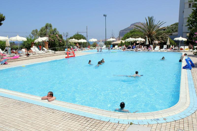 ITAPSAN_piscine-sejours-santa-lucia-sabbie-dor-sicile-tui