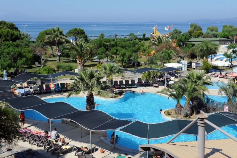 Carrefour-Izmir-Mondi-Club-Yali
