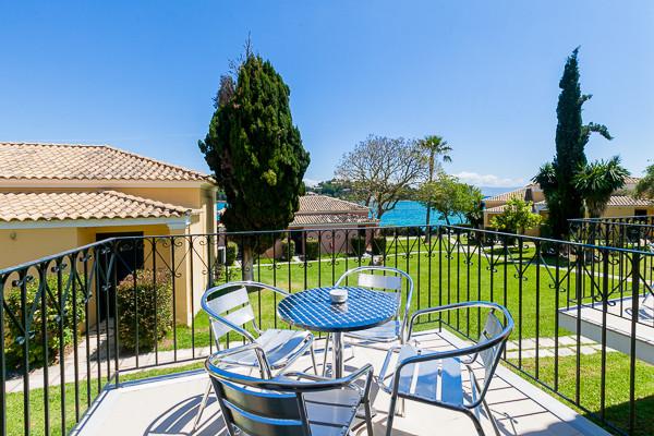 terrasse-framissima-louis-corcyra-gardens