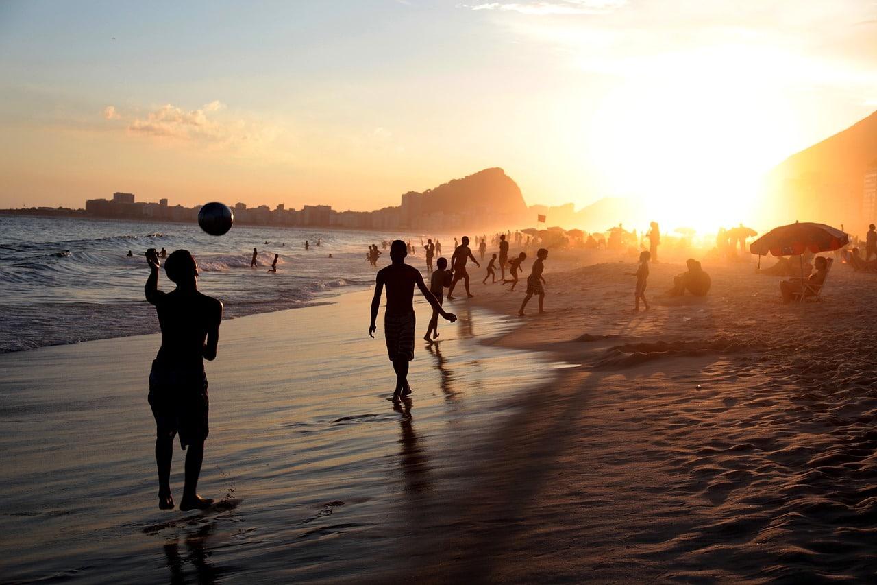 Vacances-meilleures-Plages-du-Monde-Faire-la-Fête
