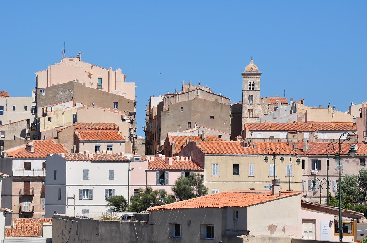Corse-hébergement-confortable-vacances